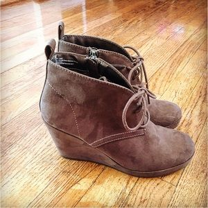 Dolce vita brown wedge bootie size 6